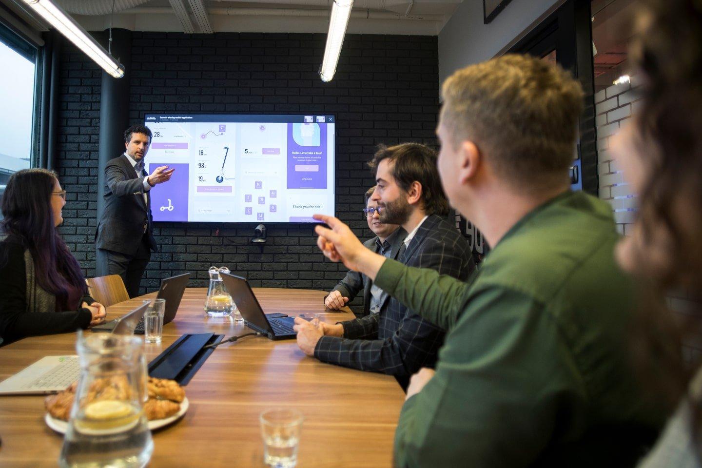 itCraft team discussin